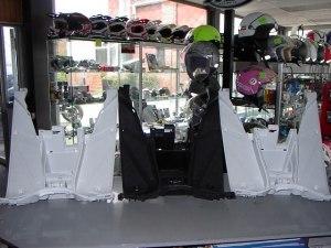 Nitro/Aerox voetplaat wit of zwart € 29,95