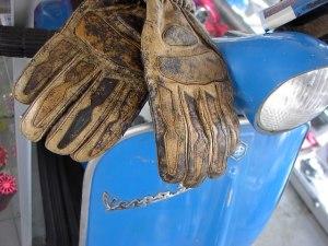 Retro Handschoenen bruin of zwart € 14,95