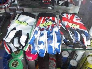 Handschoenen € 19,95 Italië, America of Engeland
